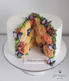 Ice cream donuts cakes on flowers always curated by fooodyforever image by yulia kedyarova sweettoothforever embroidery cake and piping tips for beginners Gorgeous Cakes, Pretty Cakes, Amazing Cakes, Fancy Cakes, Mini Cakes, Cupcakes, Cupcake Cakes, Cake Fondant, Nake Cake