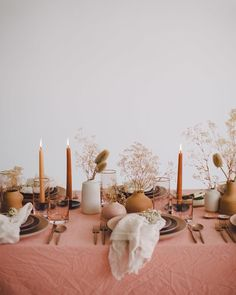 "Green Wedding Shoes / Jen on Instagram: ""Gold flatware, gold-rimmed glasses, earthy tones for the chargers + plates. So much YES to this setting! Isn't that dusty rose hue…"""
