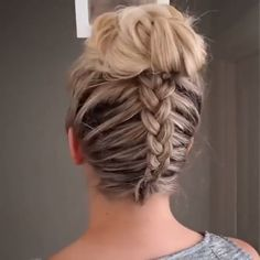 Dutch braid into messy bun Ponytail Hairstyles BRAID Bun dutch messy Braided Ponytail Hairstyles, Easy Hairstyles For Long Hair, Braids For Long Hair, Up Hairstyles, Summer Hairstyles, Medium Hair Styles, Curly Hair Styles, Hair Upstyles, Hair Looks