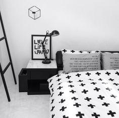 monosisさんの、ベッド周り,ベッドルーム,白黒,モノトーン,ピローカバー,クロス柄,白黒グレー,sisdesign MONOTONE,近日発売,のお部屋写真