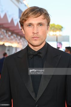 William Moseley, Suit Jacket, Suits, Jackets, Fashion, Down Jackets, Moda, Fashion Styles, Suit