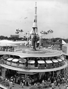 34 vintage photos of Disneyland that will make you want to be a kid again - Tomorrowland filled out with rides like The Peoplemover. Guests boarded small trains that ran on an elevated track, providing panoramic views of the park. The attraction closed in 1967 because Imagineers thought it was too outdated. Source: Disney