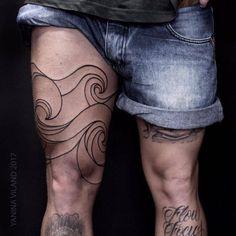 Wave tattoo on the right thigh. Tattoo Artist: Yanina Viland