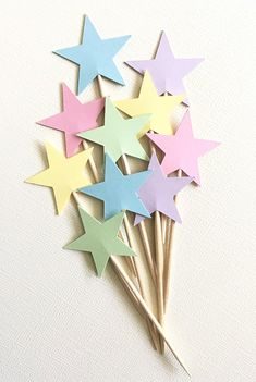 Homemade Birthday Decorations, Diy Party Decorations, Unicorn Themed Birthday Party, Diy Birthday Banner, Star Cupcakes, Pastel Party, Cupcake Toppers, Star Party, Princess Party
