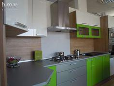 Zelená lesklá expo - BMV Kuchyne Kitchen Design, Kitchen Cabinets, Table, Furniture, Home Decor, Decoration Home, Design Of Kitchen, Room Decor, Cabinets