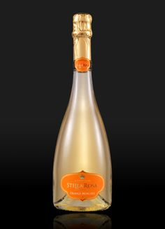 """Stella Rosa Imperiale Orange Moscato is a sparkling wine full of sass, pizzazz, and that """"you don't mess with me"""" type of attitude. More of this wine is never a bad idea. Best Wine Sweet, Summer Drinks, Fun Drinks, Wine Appetizers, Tiffany Gifts, Stella Rosa, Just Wine, Keep Calm And Drink, Wine Deals"""