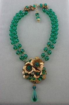 vintage Miriam Haskell necklace glass beads green brass flowers - September 14 2019 at Boho Jewelry, Jewelry Art, Wedding Jewelry, Beaded Jewelry, Jewelry Accessories, Fashion Jewelry, Beaded Necklace, Jewelry Design, Silver Jewelry