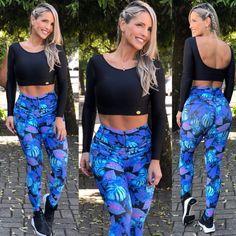 Cropped Ula ML Preto Cirré na Lexafitwear. Parachute Pants, Ideias Fashion, Exercise Moves, Comfy, Gym, Workout, Crop Tops, Clothes, Sport