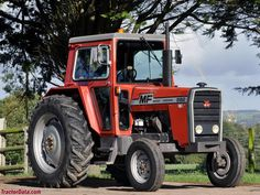 Massey Ferguson 592 Agriculture Tractor, Farming, Tractor Photos, Classic Tractor, Heavy Machinery, Rubber Tires, Childhood, British, Iron