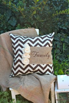 Brown ZigZag Print Pillow with Burlap Family, very unique Burlap Curtains, Burlap Pillows, Decorative Pillows, Burlap Projects, Burlap Crafts, Diy Crafts, Sewing Crafts, Sewing Projects, Diy Projects