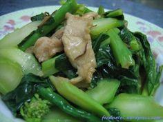 Kai lan (kale) is one of our favorite green leafvegetable. In fact this is the only vegetable I was allowed to eat during my confinement. So far, the best way to cook kai lan is to stir-fry with e...