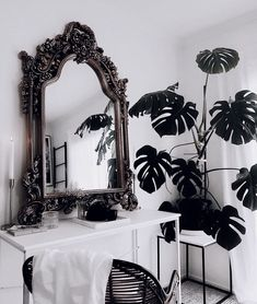 Room Inspo Home Decor Deco Baroque, Baroque Decor, Modern Baroque, Home Decor Bedroom, Living Room Decor, Room Inspiration, Interior Inspiration, Have A Lovely Weekend, Glam Room