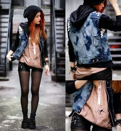 Cute punk outfit and the beanie ties everything together! Grunge Outfits, Grunge Fashion, Girl Fashion, Fashion Outfits, Womens Fashion, Punk Rock Outfits, Cute Punk Fashion, Rock Fashion, Emo Outfits