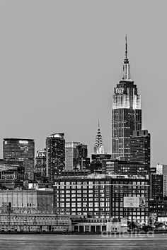 Empire State Building, black and  white. Susan Candelario New York City NYC