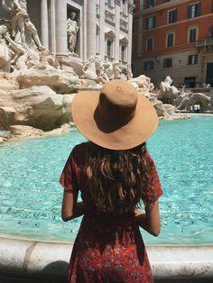 Fontana di Trevi - Roma, Itália @marcelactumas https://youtu.be/HbghHURZlGs