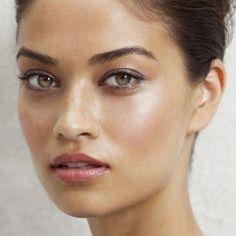 modelo-strobing-olive-skin