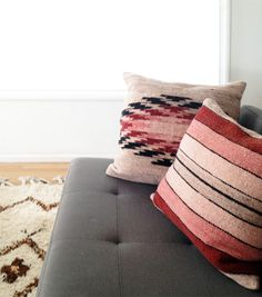 Living room - Ethnic pillows - Via Brick House