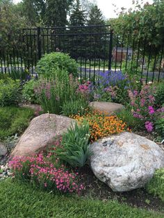 , Impressive 36 The Best Front Yard Rock Garden Ideas. , Impressive 36 The Best Front Yard Rock Garden Ideas Landscaping With Boulders, Outdoor Landscaping, Front Yard Landscaping, Backyard Landscaping, Outdoor Gardens, Landscaping Ideas, Backyard Ideas, Large Backyard, Natural Landscaping