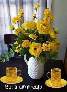 Glass Vase, Home Decor, Valentines Day, Decoration Home, Room Decor, Home Interior Design, Home Decoration, Interior Design