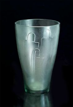 Gunnel Nyman Family 1937 Karhula Harlem Renaissance, Modern Glass, Modern Contemporary, Bauhaus, Glass Design, Design Art, Art Deco, Unusual Art, Finland