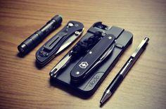 Black and chrome EDC Black Swiss Knife - buy on Amazon Ollocip Phone Case - buy on Amazon Everyday Carry - EDC - Men's accessories