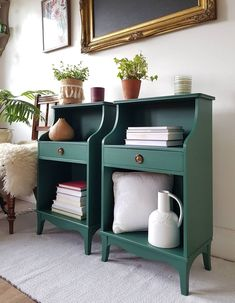 NOW SOLD.Bedside tables with drawers, night stands, side tables, painted. Vintage Nightstand, Diy Nightstand, Upcycle Bedside Table, Green Nightstands, Bedside Table Makeover, Furniture Makeover, Home Furniture, Dresser Makeovers, Modern Furniture