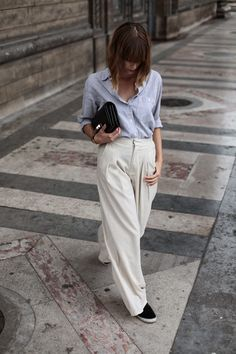 That's how you pull off a pleated pant.