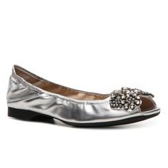 The Adrienne Vittadini Ashley will end your search for the perfect flat. With an embellished toe, it can be paired with denim or spring dresses for the perfect…