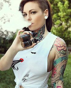 151 Best Vape Images Smoking Portraits Girls Smoking Cigarettes
