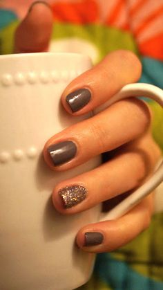one statement nail, wedding ring finger Get Nails, Love Nails, How To Do Nails, Pretty Nails, Hair And Nails, Fall Nail Colors, Nail Polish Colors, Color Nails, Statement Nail