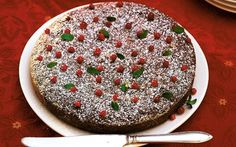 Jouluinen kakku kruunaa joulun kahvipöydän Pie, Christmas Ideas, Desserts, Food, Pinkie Pie, Tailgate Desserts, Deserts, Fruit Flan, Essen