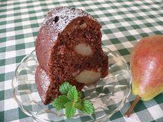 Čokoládová bábovka s hruškami a ořechy Bagel, Muffin, Pudding, Bread, Breakfast, Food, Brownies, Kitchens, Morning Coffee