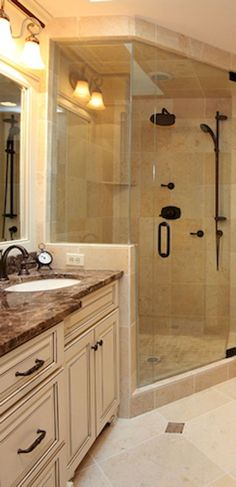 60 adorable master bathroom shower remodel ideas (45)