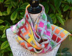 """Aujourd'hui, je voulais vous parler d'une technique de tricot que j'explore depuis plus d'un an et qui me passionne énormément. Il s'agit du """"Double Knitting"""" ou en français """"Jacquard Réversible"""". Du tricot double face quoi ;-) Tout a commencé avec un... Jumper Patterns, Loom Patterns, Knitting Patterns, Knitting Ideas, Double Knitting, Loom Knitting, Beginning Crochet, Knitting Projects, Knit Crochet"""