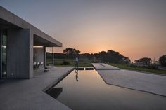Image 1 of 15 from gallery of [EARNEST CAPE] The Hill where the sky and the sea take a break / JMY architects + PLS Architects. Photograph by Joonhwan Yoon Unique Architecture, Residential Architecture, Interior Architecture, Archi Design, Concrete Pool, Beautiful Villas, Big Houses, Modern Houses, Take A Break
