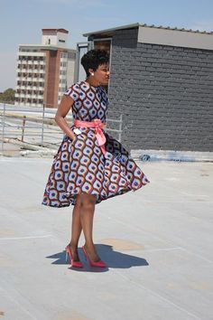 You can tell how beautiful an African lady is by seeing her dressed in her beautiful Ankara gown - Check out these beautiful ankara gown styles of 2018 African Dresses For Women, African Attire, African Wear, African Women, African Fashion Ankara, Ghanaian Fashion, African Print Fashion, African Print Clothing, African Print Dresses