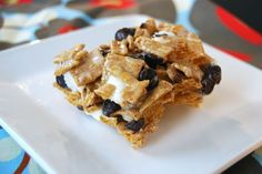 Golden Graham Smore Bars - I think I'll use Cinnamon Toast Crunch instead of Golden Grahams!!