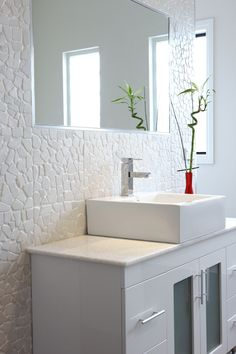Be inspired by Beaumont Tiles' ensuite ideas gallery. Browse our collection of ensuite design ideas in a range of styles to inspire your next reno. Master Bathroom Shower, Family Bathroom, Laundry In Bathroom, Bathroom Inspo, Bathroom Wall, Bathroom Inspiration, Modern Bathroom, Bathroom Tiling, Wall Tile