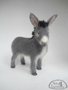 "NATALIA KUZNETSOVA - (artwool) -- ""Donkey, a donkey."" -- May 17, 2011 -- Size 15x15 cm..  The frame base.  Handmade."