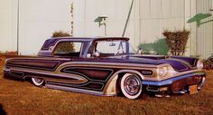 Larry Watson's T-bird, the car that made panel painting a new trend.