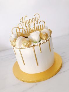 Top Ideas for birthday cake gold Happy Birthday Torte, Golden Birthday Cakes, 25th Birthday Cakes, Birthday Cakes For Women, Birthday Drip Cake, Elegant Birthday Cakes, Gold Birthday, Cupcakes, Cupcake Cakes