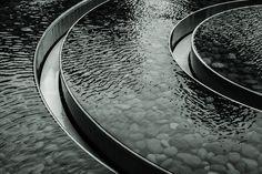 Water Architecture, Landscape Architecture Design, Architecture Details, Pool Water, Water Garden, Metal Trough, Plaza Design, Fountain Design, Water Walls