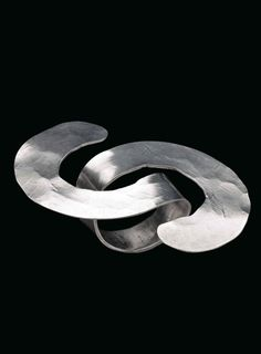 Ring   Alexander Calder. Silver. ca. 1941    Est. 30'000 - 40'000$ ~ Sept '15…