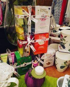 Eistee muß man selber machen! Geht super mit den geschmackvollen Teesorten von #theenglishteashop . #WisteriasRoom #potsdam #berlin #shoplocal #british #light #living #accessory #decoration #interiordesign #scentedcandle #gifts #instahome #fashion #towel #pillow #design #creative #shabbyhomes #englishteashop