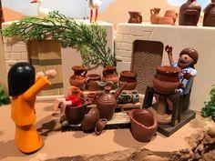 Toy Display, Diorama, Ideas Para, Planter Pots, Christmas, Toys, Hipster Stuff, Manualidades, Xmas