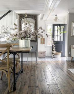 27 favourite furniture for modern farmhouse living room decor ideas 18 Modern Farmhouse, Farmhouse Style, Farmhouse Decor, Farmhouse Homes, Farmhouse Flooring, Farmhouse Interior, French Farmhouse, Farmhouse Design, Gray Wood Flooring
