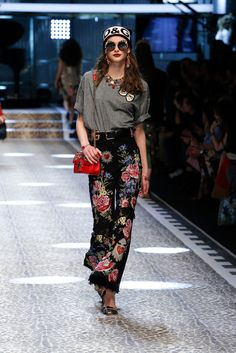 Discover Videos and Pictures of Dolce & Gabbana Fall Winter 2017-18 Womenswear Fashion Show on Dolcegabbana.com.