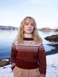 Tussa E-post :: Klassiske mønstre til liten og stor! Christmas Sweaters, Barn, Turtle Neck, Knitting, Blouse, Model, Vintage, Tops, Fashion