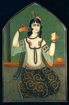 دختری با آینه دختری با آینه، منسوب به محمد حسن، رنگ روغن روی بوم، حدود 1810-1830 ترسایی PORTRAIT OF A HAREM GIRL, ATTRIBUTED TO MOHAMMAD HASAN, PERSIA, CIRCA 1810-1830 CATALOGUE NOTE