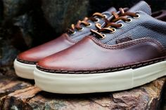 Vans Vault 2012 Fall Era Horween LX | Hypebeast.  WANT !!!!!